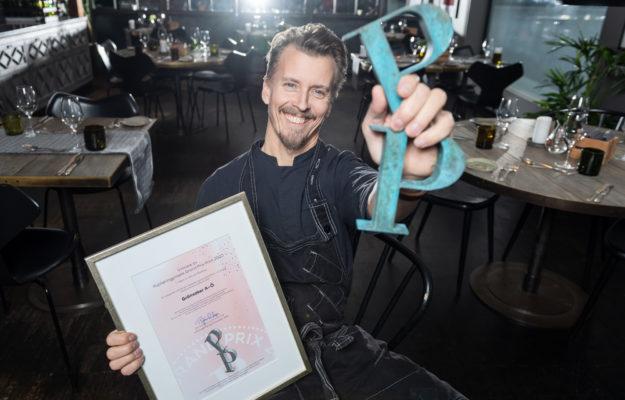 """Paul Svensson, författare till """"Grönsaker från A-Ö"""" som vann Publishingprisets Grand Prix Print 2020. Foto: Stina Stjernkvist"""